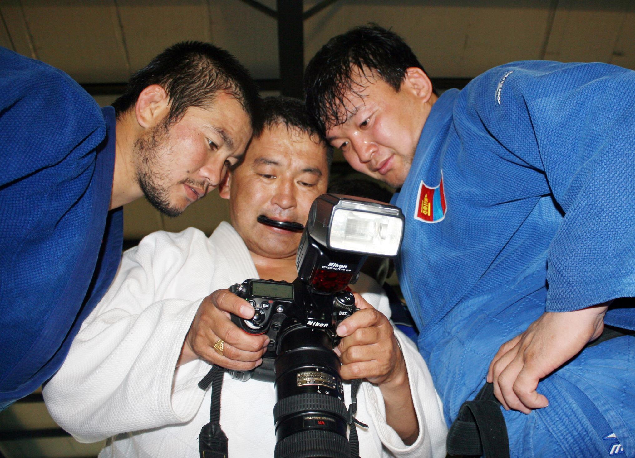 Ч.Ганбатын бүтээл дэлхийн спортын шилдэг гурван гэрэл зургийн нэгээр шалгарчээ