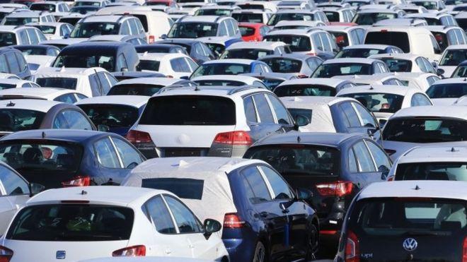 Өнгөрсөн оны мөн үеэс автомашины худалдан авалт 52%-аар буурчээ