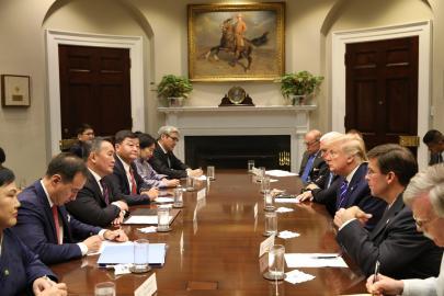 Монгол Улсын Ерөнхийлөгч Х.Баттулга АНУ-ын Ерөнхийлөгч Доналд Трамп нар албан ёсны хэлэлцээ хийлээ